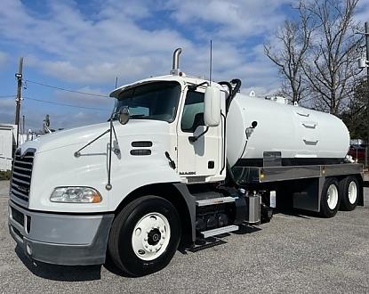 2013 Mack CXU Vacuum Truck